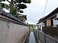 Okamori Aqueduct upstream and elevated Kyushu Expressway.jpg