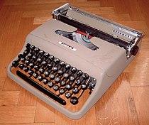 Olivetti Lettera 22 by LjL.jpeg