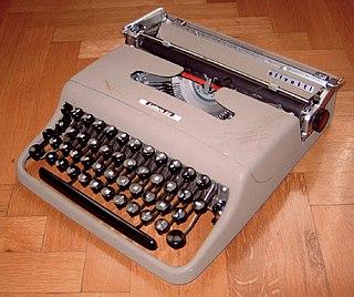 Olivetti Lettera 22 italian design typewriter model