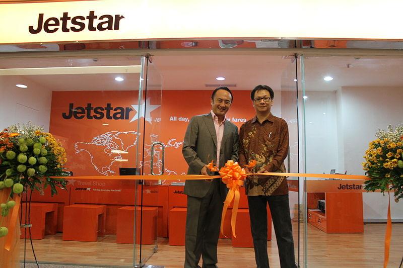 File:Opening of Jetstar Travel Shop Surabaya (8780819512).jpg