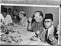 Overeenkomst van Linggadjati. Deelnemers aan de conferentie Ir. Soekarno , Prof., Bestanddeelnr 901-9574.jpg