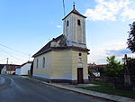 Overview of Holy Trinity Chapel in Slatina, Znojmo District.JPG