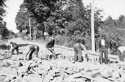 PSM V51 D089 Laying of telford foundation for state highway at westfield mass 1886.jpg
