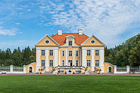 Palmse manor house at summer.jpg