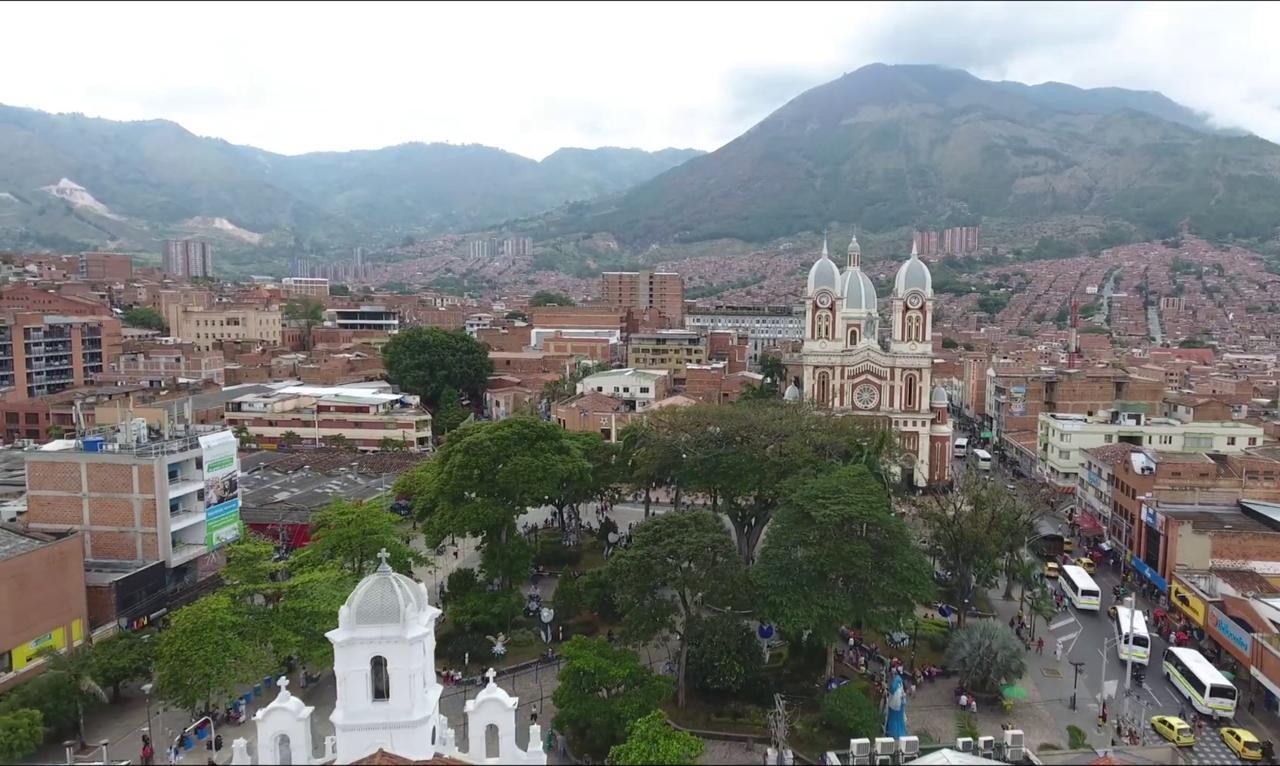 Panorama del centro de Bello.png