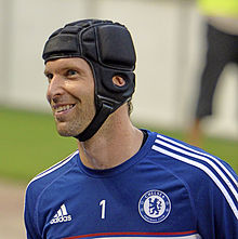 Petr Čech training for Chelsea in 2013 9d30a7b1e