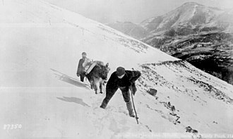 Pikes Peak - An 1890 winter climb (near Windy Point) up Pikes Peak