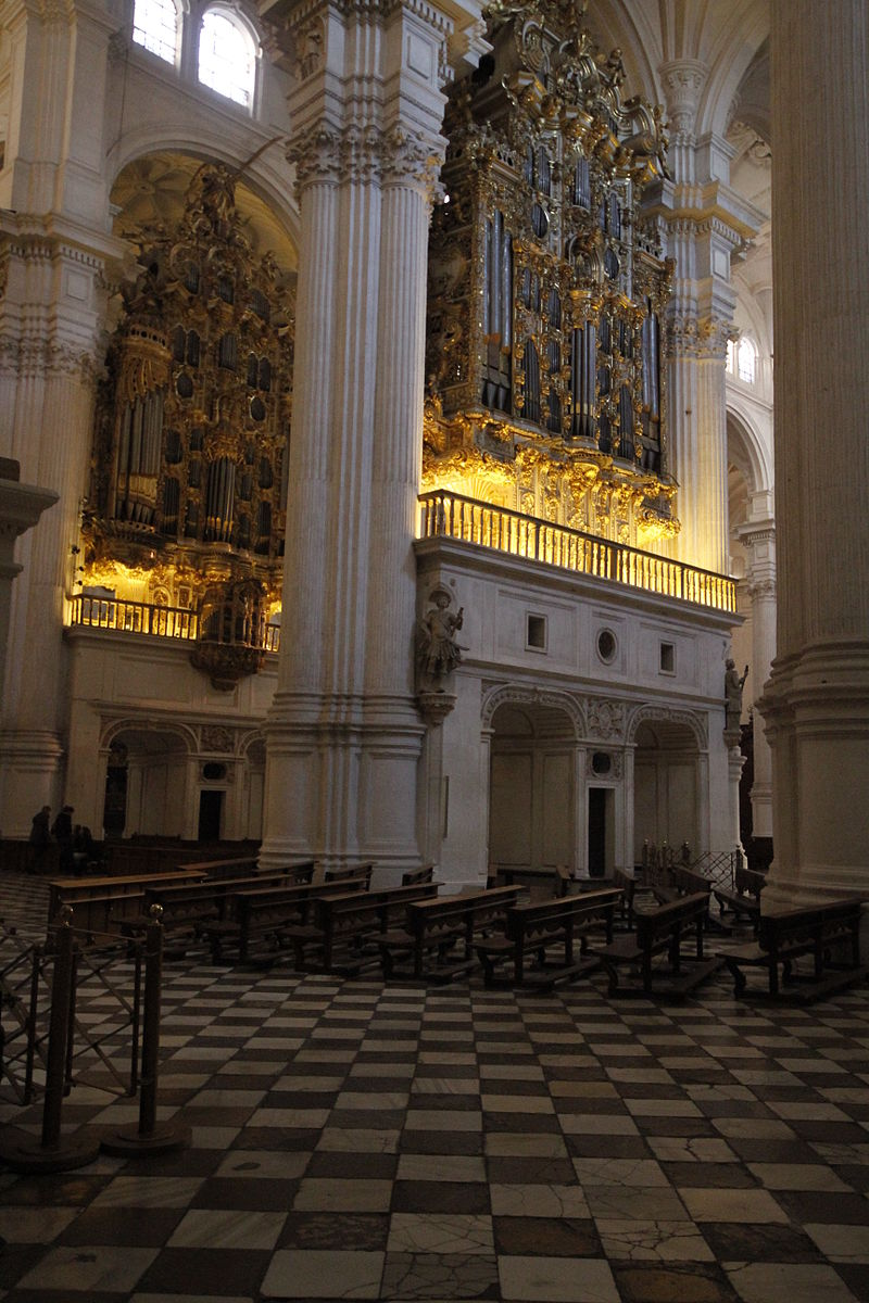 Pipe organ - Cathedral of Granada (4).JPG