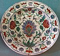 Plate, Iznik, Turkey, late 1500s, faience - Germanisches Nationalmuseum - Nuremberg, Germany - DSC03180.jpg