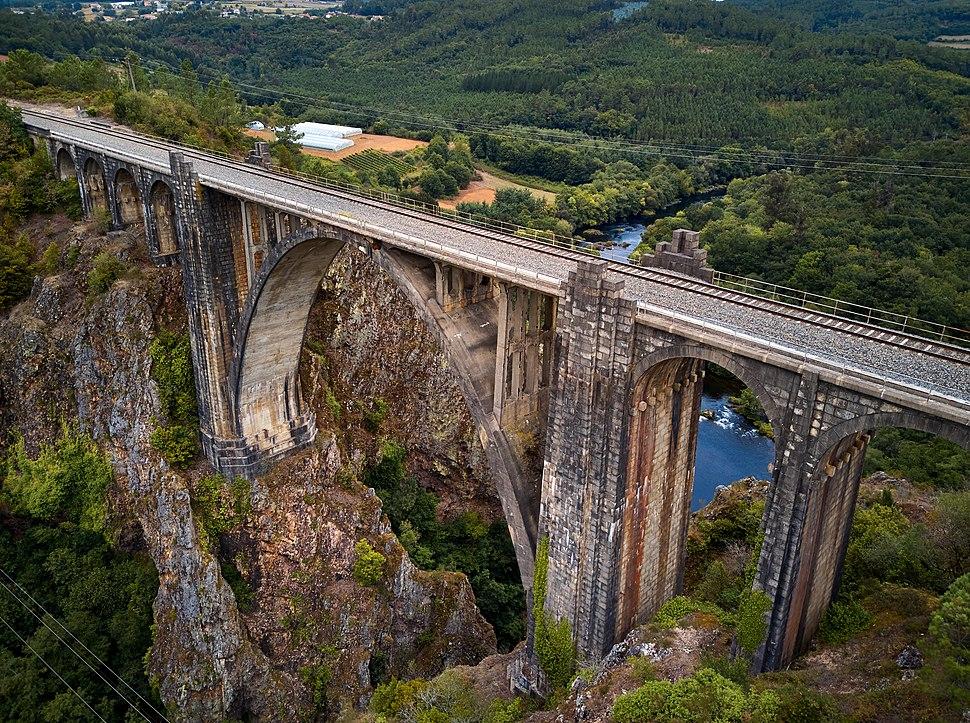 Ponte de Gundian (37090362922)