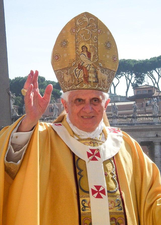 640px-Pope_Benedict_XVI_Blessing.jpg