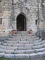Porta e escaleiras de acceso Castelo de Sobroso Mondariz.jpg