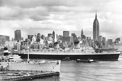 Postcard Stevens with RMS Queen Elizabeth.jpg
