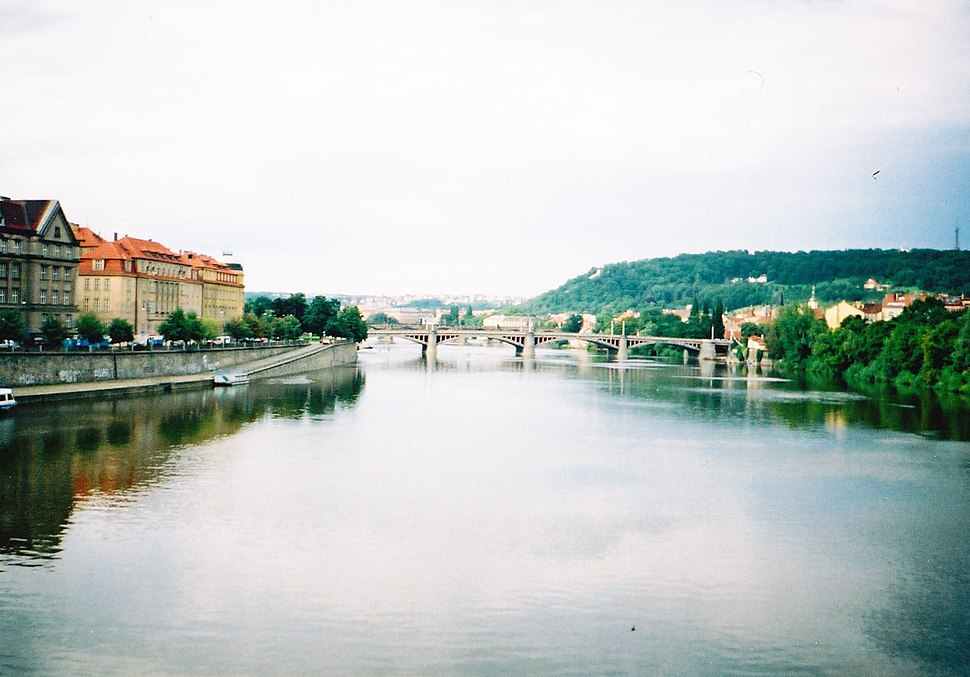 Prague Vltava 2001