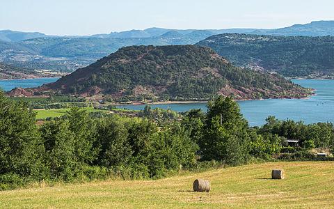 Presqu'île du Rouens, Lac du Salagou, Clermont-l'Hérault, France.