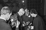 Prins Bernhard bij NOVIB, prins Bernhard en prof. De Vries, Bestanddeelnr 918-9721.jpg