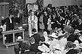 Prinses Christina en Jorge Guillermo tijdens de plechtigheid, voor hen staat pat, Bestanddeelnr 928-0226.jpg