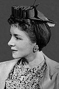 Promotional photograph of Helen Hayes (rotated, cropped).jpg