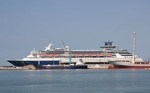 Pullmantur Cruises Sovereign 02.JPG