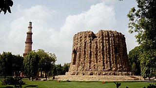 Qutub Minar with unfinished one