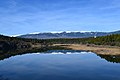 Río Lozoya con la sierra de Guadarrama al fondo.jpg
