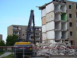 251px-R%C3%BCckbau_in_Rotensee.jpg