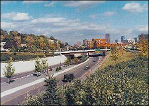 Interstate 35E (Minnesota) - The parkway at Ramsey Street