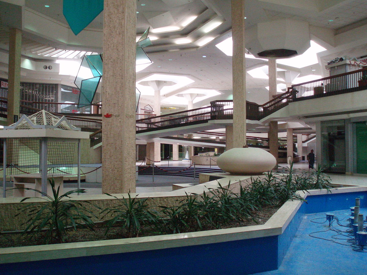 Randall Park Mall Wikipedia - Shopping malls america changed since 1989