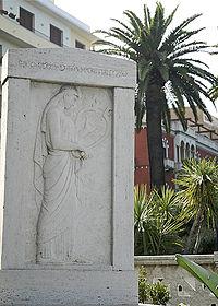 Reggio calabria monumento ibico.jpg