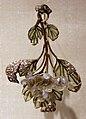 René lalique, pendente con fiori di biancospino, in oro, vetro, smalti e diamante1899-1901 ca.jpg
