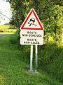 Rilly-aux-Oies-FR-08-panneau de danger pour une route ni déneigée, ni salée-01.jpg