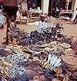 Rituaaliesineitä myynnissä Grand Marchélla Porto Novossa 3 1966.jpg