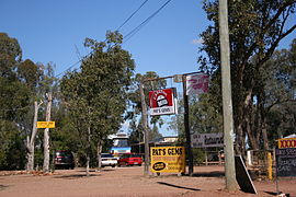 Rubyvale-pats-gems-outback-queensland-australia.jpg