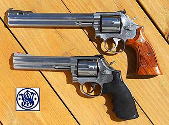 Smith & Wesson Model 686 - Image: S&W 686x 2