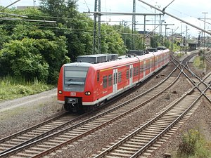 Berlin–Lehrte railway - A train leaving Lehrte station in 2012