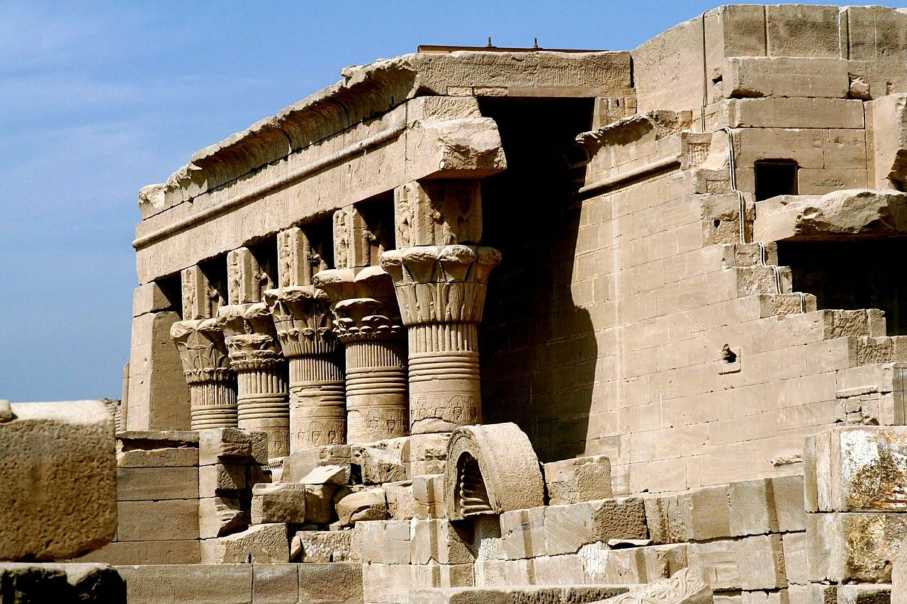 Hathor 1280px-SFEC_EGYPT_DENDERA_2006-005