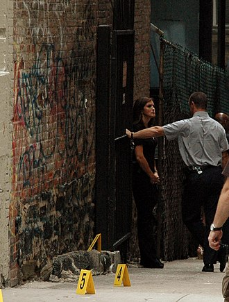 Behave (Law & Order: Special Victims Unit) - Mariska Hargitay and Christopher Meloni filming on West 111th Street in Manhattan for the episode on August 10, 2010