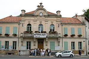 Saint-Cannat - Town hall