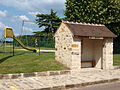 Saint-Martin-en-Bière-FR-77-abribus-04.jpg