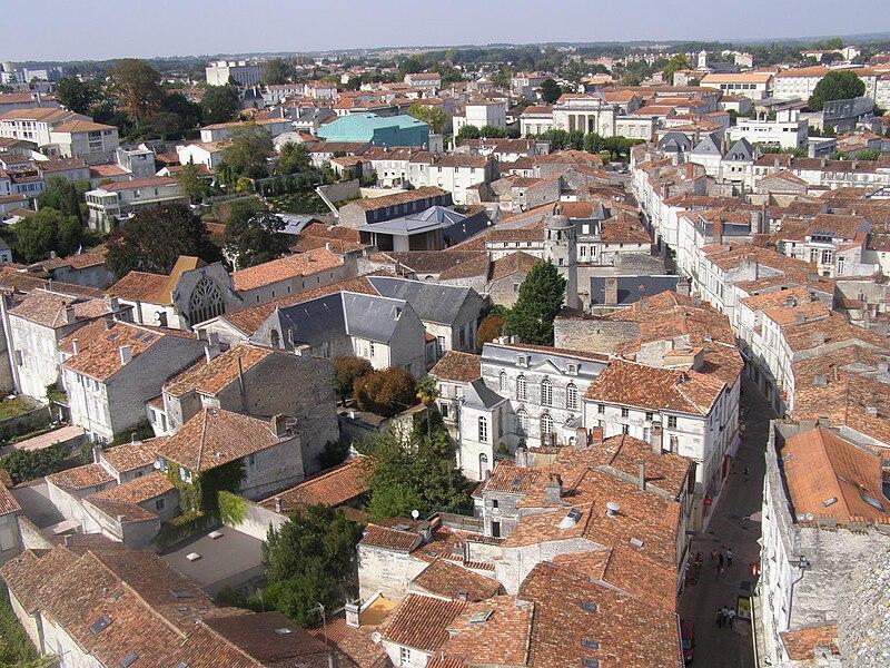 File:Saintes-panorama3.jpg