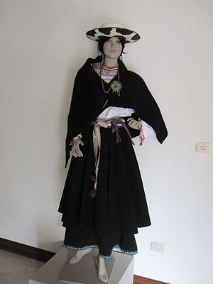 Saraguro Canton - Traditional dress of Saraguro.