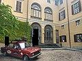 Schiari's palace courtyard.jpg