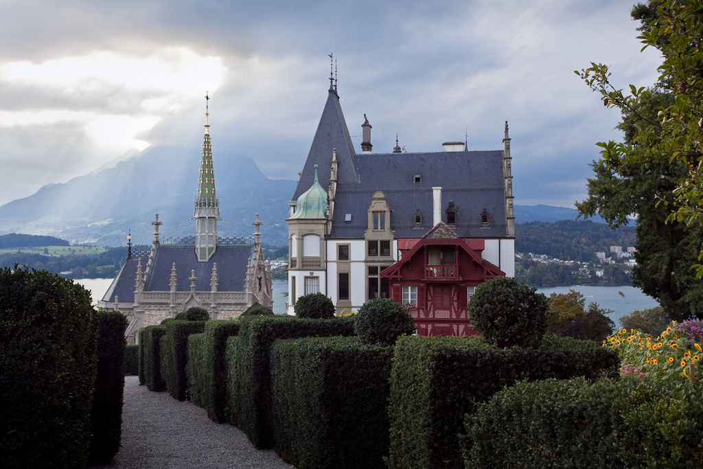 file schloss meggenhorn mit sicht auf das luzerner wikimedia commons. Black Bedroom Furniture Sets. Home Design Ideas