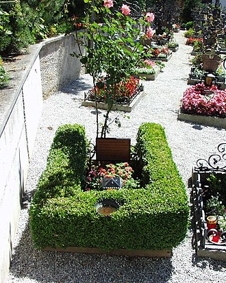 Alpbach - Grave of Erwin Schrödinger