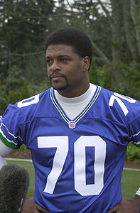Seahawk player Michael Sinclair, 2002 (24103477470).jpg