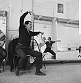 Serge Lifar bij repetitie van Nederlands Ballet, Bestanddeelnr 912-2420.jpg