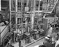 Shell-laboratorium 50 jaar te Amsterdam, dr H van Driel (directeur) tijdens ro, Bestanddeelnr 916-0870.jpg