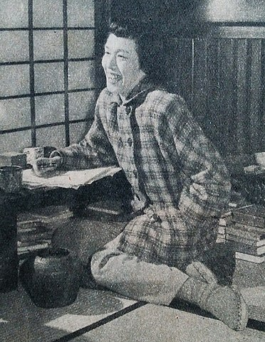 /upload.wikimedia.org/wikipedia/commons/thumb/8/88/Shirasu_Masako.jpg/372px-Shirasu_Masako.jpg
