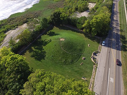 Shrum Mound, the feature of Campbell Memorial Park Shrum Mound aerial 3.jpg