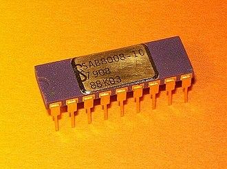 Intel 8008 - Image: Siemens SAB8008 1C 1